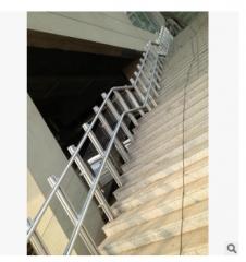 地铁站专用残疾人升降平台,高铁站专用斜挂式轮椅升降机