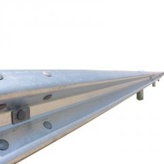 源头厂家直销 喷塑护栏 高速公路护栏板双波三波护栏可定制隔离栏