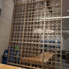 金属建筑材料铝合金雕刻屏风隔断 餐馆酒店用艺术雕花铝隔断屏风
