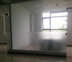 玻璃贴膜磨砂窗花自粘透光不透明遮阳90CM宽批发!