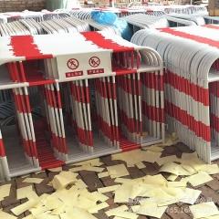 厂家 市政铁马护栏 移动施工安全防护隔离栏 带板施工围栏 可定制